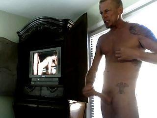 Str8 papá viendo porno en la habitación del hotel