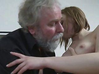 Jodido por un hombre mayor