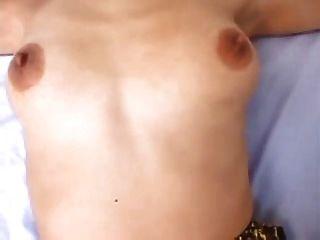 Sexo caliente de la abuelita asiática