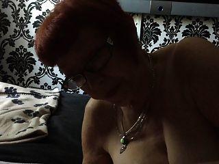 Mujer manchester madura chupar mi pequeña polla