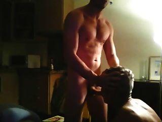 Aficionado joven gay y maduro