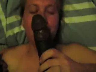 Mujer engañando blanca trata de golpe negro dong