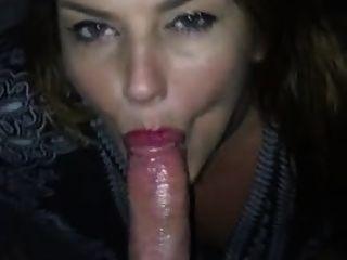 Novia me da agradable mamada y le disparo en su lengua