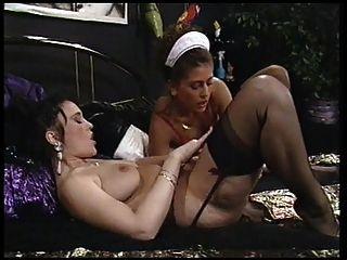Una buena sirvienta cumple con sus deseos lesbianas amante