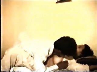 Milf indio y su marido sexy (comienzo de la acción en 10 minutos)