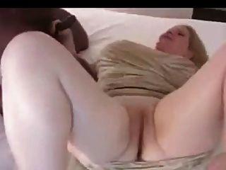 Esposa dispuesta en motel del aeropuerto