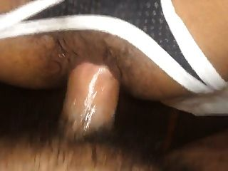 Criar una parte inferior usando su propio cum como lube porn vid
