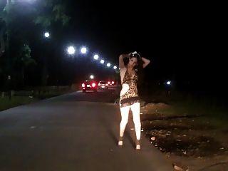 Nikki ladyboys prostitución pública