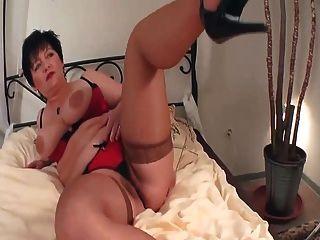 Cumming con una milf madura caliente