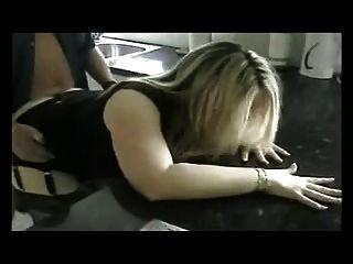 Scopare en cucina