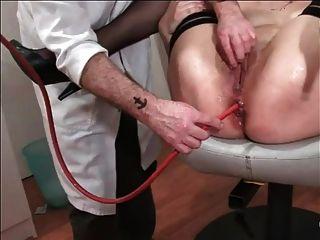 Mujer anal jadeando duro fisting bdsm