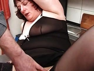 Mis piercings sexy perforaron abuelita en medias fisting