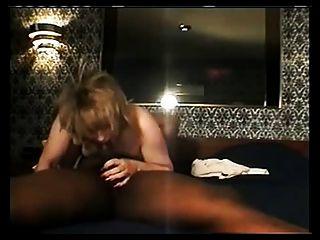 Mujer zorra chupar negro grande