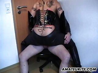 Busty amateur milf dominación fuck con cum en tetas