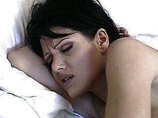 Mañana purga anal de pelo corto hungryeyes morena