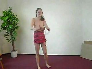 Tit grande y una cuerda de salto