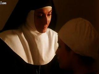 Eva grimaldi desnuda de la monaca nel peccato