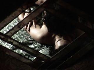 Mujer madura cop hizo un joven delincuente su esclavo sexual