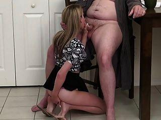 No verdadero daoughter y no padre, pero el anal es real!