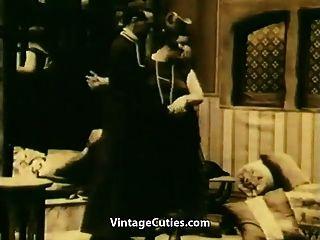 Masturbándose y persuadiendo a chupar (la vendimia de 1920)