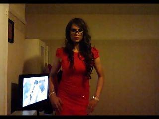 Kaylagirl80 crossdresser en vestido rojo