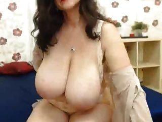 Abuelita webcam enormes tetas