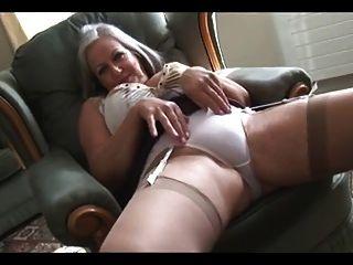 La abuela pone un espectáculo