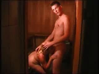 Mamá y no su hijo en el spa