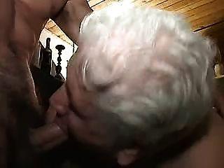 Abuelita con chicos 1