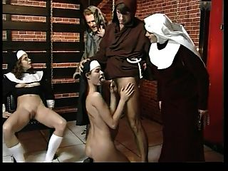 Le chateau des supplices novicio tortura parte 5 wf