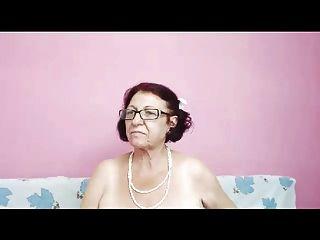 La abuela lujuriosa te espera