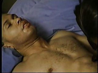 Muchacha india consigue sus boobs y coño lamió y sexo
