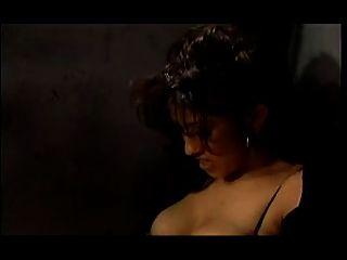 Una caliente orgía lésbica de la cogida en una prisión para mujer