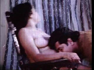 Busty indian school girl fucking con novio