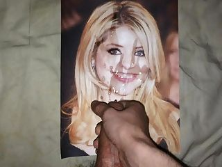 That holly willoughby pussy flash