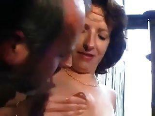 anal peludo en el establo