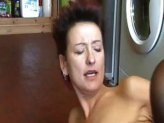masturbándose en la cocina sin su madre bvr
