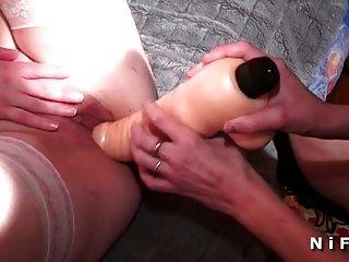 french lesbians big dildo inserción anal