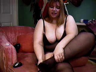 bbw hippy chick mostrando su cuerpo en la cámara