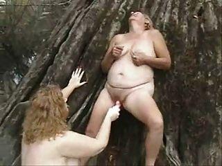 viejas lesbianas divertirse al aire libre