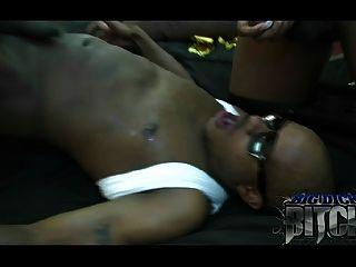 shawty consiguió un dick grande en su dvd por bigdickbitch