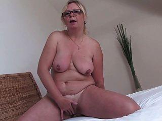 abuelita en gafas 2