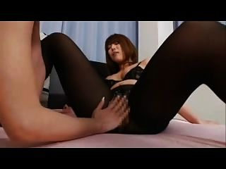 lesbianas asiáticas en pantyhose scissor sex