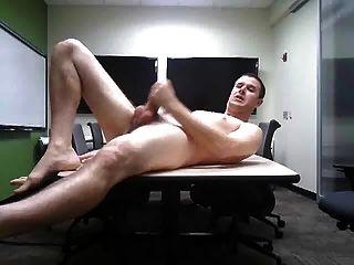jerk y comer cum en la oficina