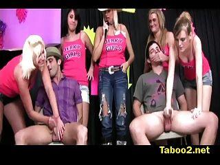 masturbación contra barbie vs amanda