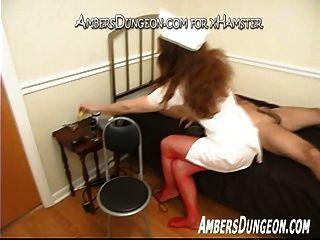 la enfermera ingrid sacude del esclavo ligado