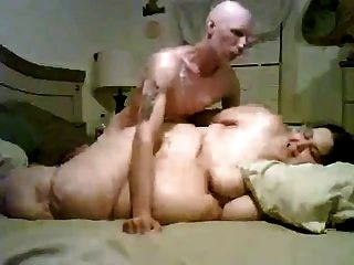 bbw gordo caliente chupar y follar a su novio flaco