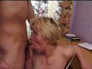 rusa esposa madura engañar a su hombre con mi joven amigo