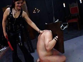 dominatrix, entrenamiento sissy