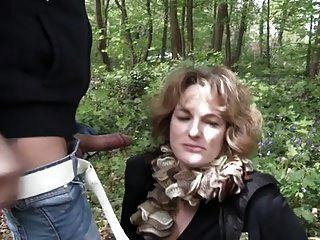 francesa madura sophia jodido al aire libre